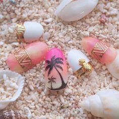 ネイル(No.1642478)|グラデーション |タイダイ |トロピカル |イエロー |デート |フレンチ |パーティー |夏 |リゾート |ピンク |ホワイト |ワンカラー |ハンド | かわいいネイルのデザインを探すならネイルブック!流行のデザインが丸わかり! Cute Nail Art Designs, Toe Nail Designs, Toe Nail Art, Toe Nails, Ocean Nail Art, Mermaid Nails, Beach Nails, Best Acrylic Nails, Fabulous Nails