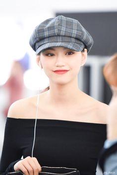 Korean Birthday, Airport Style, Airport Fashion, Kim Doyeon, Chinese Model, Ulzzang Girl, Most Beautiful Women, Pretty People, Korean Fashion