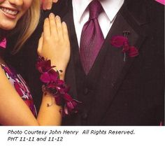 wrist corsage and buttonhole - yes yes matching with the man's brooche Prom Flowers, Diy Wedding Flowers, Homecoming Flowers, Homecoming Pictures, Prom Pics, Wedding Ideas, Prom Ideas, Floral Wedding, Wedding Stuff