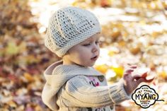 Lovingly knitted in cozy, soft wool. The perfect trendy accessory for a cold day! Knitted Hats, Crochet Hats, Girl Beanie, Trendy Accessories, Beret, Hand Crochet, Little Ones, Boy Or Girl, Winter Outfits
