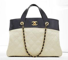 Chanel shopping bag in supple quilted calfskin, double handles (Spring-Summer 2012)