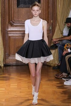 Viktor&Rolf designers fashion show spring-summer 2015 | A preview of the garments of this upcoming collection