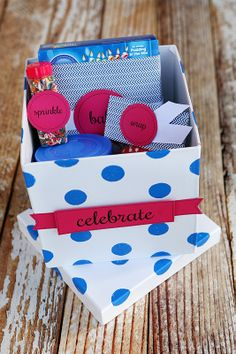 Cupcakes in a Box (from eighteen25) - cute idea for a party favor (baking party for Hazelnut?) or care package