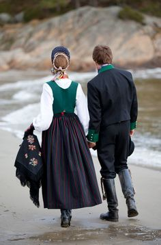 from Laila Duran .in Norway Norwegian Clothing, Holland, Europe, Bridal Crown, Folk Costume, My Heritage, Traditional Dresses, Norway, Bridal Dresses