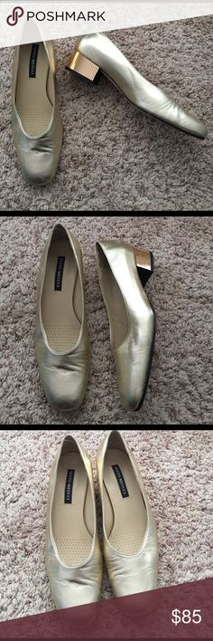 """Sesto Meucci Gold Slip On Block Heels Previously loved, in good condition Italian designer heels! These heels are gorgeous! The gold glass decor on the heel is beautiful! These heels are comfortable and are sure to stand out when worn! Heel height is 1.5"""". Made in Italy! sesto meucci Shoes Flats & Loafers"""