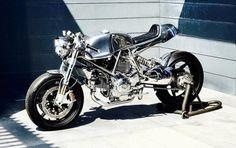 "Ducati Cafe Racer ""Brave"" Serie Leggero by Walt Siegl Motorcycles - Photo by @Artoftime and @danielamariaphoto #motorcycles #caferacer #motos | caferacerpasion.com"