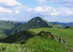 Guide de voyage Escapades   Le Puy Mary : un site à couper le souffle au coeur du Cantal > Escapade en Auvergne - Partageco;fr