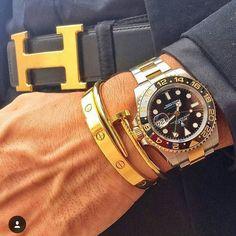 Essentials #hautetime #horology #horologist #orologi #watch #watcholics #watchporn #watchflavor #watchfan #wristwatches #wristporn #louisvuitton #ferrari #luxurywatch #luxury #luxurylife #canon #relogio #vip_watch_brasil #luxurybazaar #rolex #submariner #hautehorlogerie #likeforlike