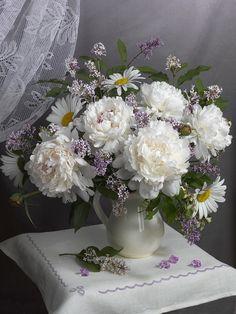 Romantic Flowers, Flowers Nature, Amazing Flowers, My Flower, Beautiful Flowers, Flowery Wallpaper, Flower Phone Wallpaper, Ikebana, Paper Flower Art