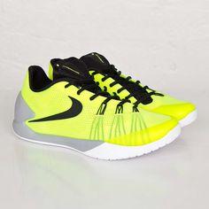 buy popular 12ff9 7a8b0 Nike Hyperchase - 705363-700 - Sneakersnstuff   sneakers   streetwear  online since 1999