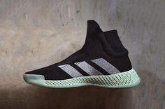 adidas 革新籃球鞋 FUTURECRAFT 4D Laceless Basketball 黑色版本曝光