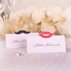 Winietki na stoły - motyw wąsy i usta.