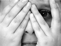 O site Minha Vida preparou um artigo sobre a fobia social, explicando as possíveis causas, os sintomas e os tratamentos para as pessoas que sofrem esse transtorno.