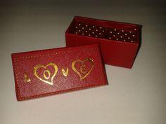 Regala unos exquisitos chocolates en un hermoso empaque. #RegalosAmorYAmistad #AmorYAmistad