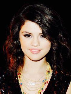 Selena Gomez www.taylorcapsvdk.weebly.com/selena-gomez-pics.html