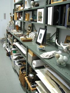 Art Storage Ideas for my art studio Deco Studio, My Art Studio, Home Studio, Studio Ideas, Garage Art Studio, Studio Room, Home Office, Art Storage, Storage Ideas