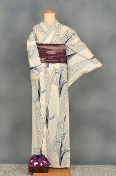 ゆかた(白地に染め絞り) Yukata, Kimono Top, Tops, Women, Fashion, Moda, Women's, Fashion Styles, Woman