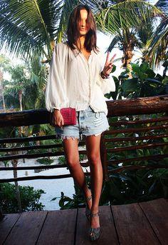 Tulum-columbine-hm-top-cutoffs-denim-beach-babe-vacation-summer-style-fashionoverreason.jpg (756×1101)
