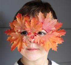 herbst basteln maske rot gefärbte blätter benutzen