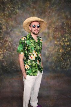 Vintage Hawaiian Shirt - size men's small