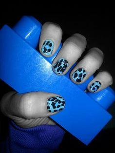 Blue leopard nails http://wrapmynails2.jamberrynails.net/
