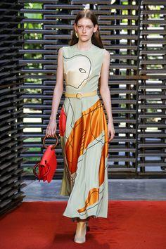 Roksanda Spring 2019 Ready-to-Wear Fashion Show Collection: See the complete Roksanda Spring 2019 Ready-to-Wear collection. Look 22 Fashion Week, Runway Fashion, High Fashion, Fashion Outfits, Womens Fashion, Fashion Tips, Fashion Design, Fashion Trends, Fashion 2018