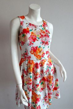 Lulu's Dress Open Back Keyhole Flirty Floral Size Small Pretty Ladieswear Style #LuLus