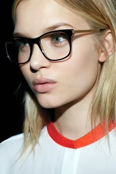I have got to have these Victoria Beckham specs!!!!