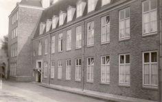 Delft, Bethel Ziekenhuis aan het Begijnhof In 1899 werd het Bethel ziekenhuis aan de Oude Delft 211 door de `vereniging christelijk wijk- en ziekenverpleging` Bethel opgericht. In de periode 1909-1912 vonden diverse uitbreidingen plaats. In 1985 werd het ziekenhuis overgedragen aan de Stichting Reinier de Graaf Gasthuis.