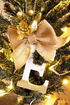 31 Homemade Christmas Ornaments via TheKimSixFix.com