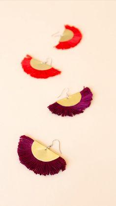 Tassel Ohrringe selber machen - Do it yourself – Brass Sheet Tassel Earrings:. - Tassel Ohrringe selber machen – Do it yourself – Brass Sheet Tassel Earrings: From brass shee - Diy Earrings Video, Diy Tassel Earrings, Tassel Jewelry, Fabric Jewelry, How To Make Earrings, Beaded Jewelry, Gold Earrings, Diy Jewellery, Jewellery Shops