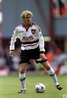 David Beckham pictured during the season. David Beckham Football, David Beckham Family, David Beckham Style, Manchester United Images, Manchester United Football, Manchester City, Retro Football, Football Shirts, Football Photos