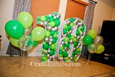 GIANT mosaic numbers / letters filled with balloons - Party decoration idea - DIY How to make tutorial - birthday Small Balloons, 5 Balloons, Number Balloons, Letter Balloons, Birthday Balloon Decorations, Diy Party Decorations, Birthday Balloons, Christmas Decorations, Creative Money Gifts