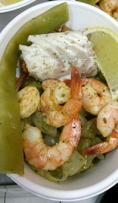 Crevettes aux épices, bar, fenouil au pesto, ratatouille, haricots mange-tout bio et citron de Nice.