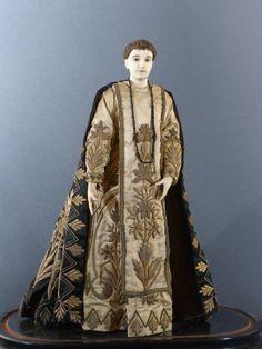Antique for sale Saint statue in ivory and silk fabrics Statuette Sculpture Fine…