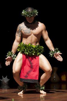 Hula Kahiko (traditional style). Photo: smoothtrooper1, via Flickr