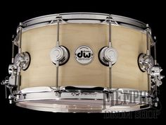 DW 14 x 7 Collector's Series Maple Snare Drum with MAG Throw Off