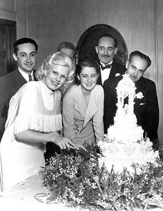 Jean Harlow and Paul Bern getting some friends to help out