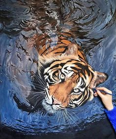 35 Most Beautiful Oil Paintings from Top Artists around the world – Tiger painting Tiger Painting, Hyper Realistic Paintings, Painting Trees, Painting People, Pet Tiger, Tiger Art, Animal Paintings, Animal Drawings, Oil Paintings