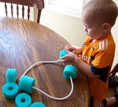 Pool Noodle Stringing Busy Bag: A toddler fine motor and hand/eye coordination activity Toddler Play, Toddler Learning, Toddler Crafts, Toddler Busy Bags, Toddler Games, Toddler Classroom, Infant Toddler, Kid Crafts, Sensory Activities
