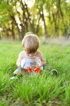 So cute! I almost cant wait to have kids just to take a thousand adorable pictures of them<3