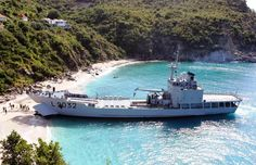 Battle Boats, Explorer Yacht, Expedition Yachts, Navy Day, Landing Craft, Brest, Yacht Design, Military Weapons, Navy Ships