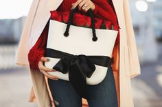 An O bag Mini with full of red roses is all I want for Valentine's Day.   #Obag #ObagMini