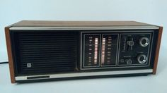 """Vintage Panasonic AM / FM Wooden Illuminated Shelf Radio Model RE-7371 , Tested #Panasonic Like our page on Facebook: https://www.facebook.com/MedusaMaire/ and click the """"Shop Now"""" button to see all of our items for sale"""