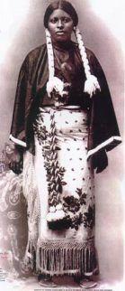 Les Séminoles noirs (en anglais Black Seminoles) sont des descendants d'esclaves échappés de la partie côtière de la Caroline du Sud et de la Géorgie pour le désert de Floride dès la fin des années 1600. Les esclaves fuyards se sont joints à divers groupes indiens déjà réfugiés en Floride. Ensemble, les deux groupes ont formé la tribu Séminole, une alliance multi-ethnique et bi-raciale.