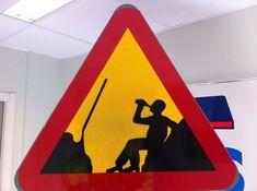 Varning för | Varning för alkis | Roliga skyltar