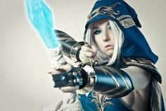 Character: Ashe (The Frost Archer) / From: Riot Games 'League of Legends' / Cosplayer: Riki 'Riddle' LeCotey (aka Riddle's Messy Wardrobe, aka Riddle1) / Photo: AMPCosplay (Andrew Michael Phillips)