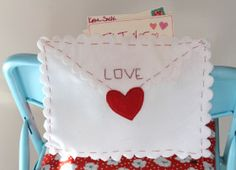 How to make Valentines Chair Envelope Pouch - DIY Craft Project with instructions from Craftbits.com