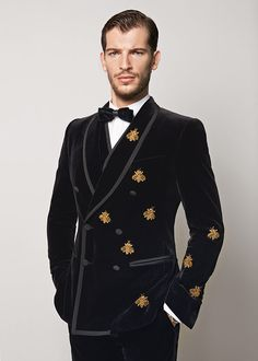 Dolce & Gabbana presents the Men's Clothing Collection for Winter 2016: shirts, denims, dresses, skirts, suits, blazers and more from the new Collection.