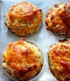Lieflike Ontbyt Skons … sit voor saam met jou gunsteling konfyt, kaas en so skeet styfgekopte room ~ hemels ! Jy het nodig : 500 g bruismeel ( self raising ) 1 groot eier, geklits 125 ml houe…